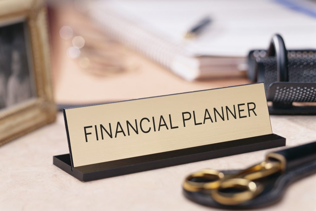 Benefits of Using a Financial Planner to Protect & Grow Your Money -  Revenues & Profits